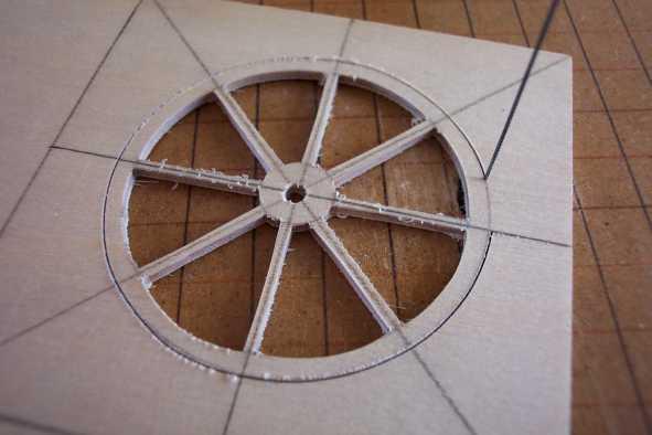 fabrication roues miniatures en bois pour charrue. Black Bedroom Furniture Sets. Home Design Ideas